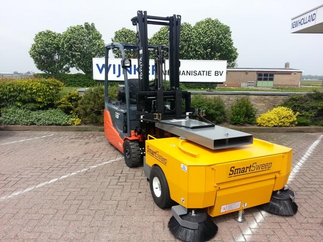 Smart-Sweep_veegmachine_heftruck_wijnker_noord-holland_6